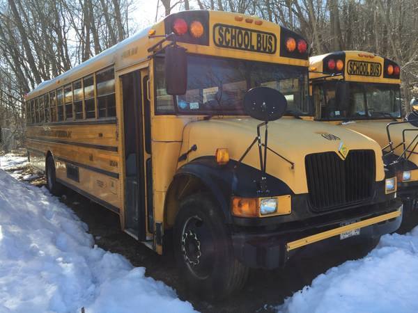 Photo 2003 international school bus DT466 ac Allison trans air brakes - $5000 (Hillburn)