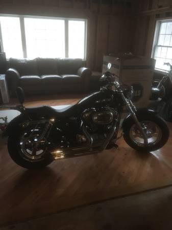 Photo 2015 Harley Sportster Custom 1200 - $9,500 (New Milford, CT)