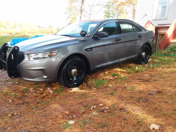 Photo 2016 Ford Taurus Police - $10,200 (White Lake)