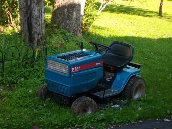Photo AGWAY 14.542 cat Tractor sale for parts - $100 (Fremont Center NY Sullivan County Near Roscoe)