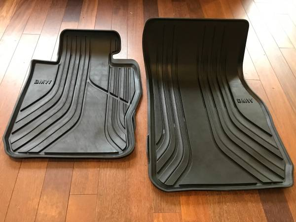 Photo BMW front floor mats 3912-3918 3 series - $50 (Kingston)