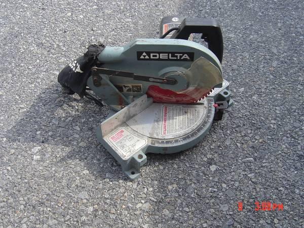 Photo Delta 10quot Miter saw - $50 (Halfmoon)