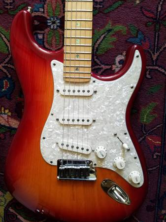 Photo Fender Stratocaster American Deluxe 2004 - $1350 (Willow)