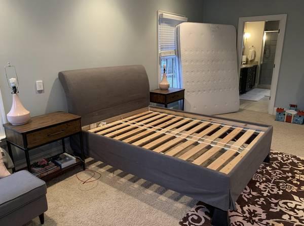 Photo Ikea Vanvik Queen Bed Frame - $20 (Woodstock)