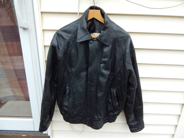 Photo John Ashford Men39s Leather Jacket size Large Like New Fits XL - $100 (Glenmont)