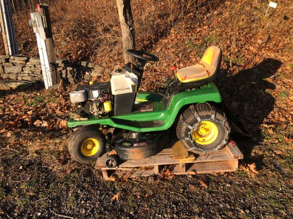Photo John Deer STX38 Lawn Mower Tractor - make an offer - $145 (Fleischmanns)
