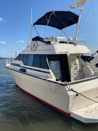 Photo Mainship Mediterranean 35 Motor yacht boat - $28,000 (Stony Point NY)