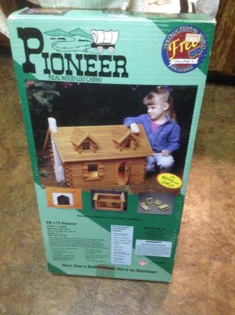 Photo Pioneer Real Wood Log Cabin Kit Dura Craft 1998 Made in the USA - $100 (Rockland County)