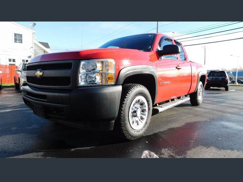 Photo Used 2010 Chevrolet Silverado 1500 4x4 Extended Cab for sale
