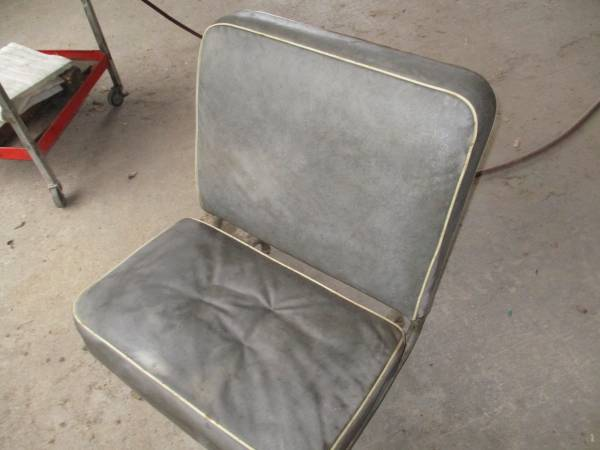 Photo Used old Willys jeep station wagon back seat. - $300 (Bearsville N.Y.)