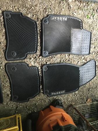Photo VW passat accessories - $195 (West Hurley)