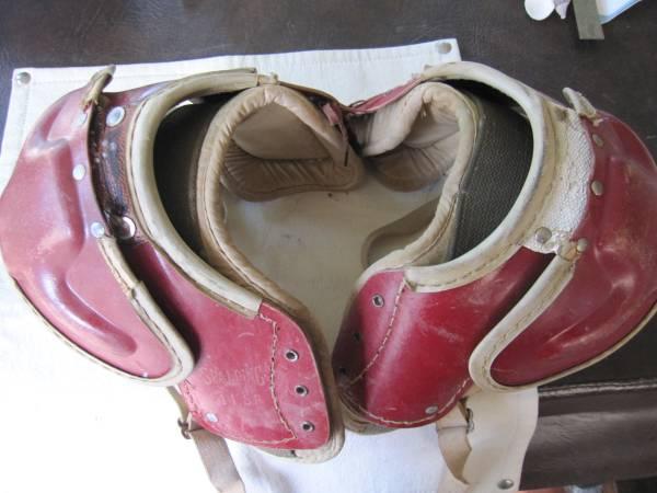 Photo Vintage Shin Pads  Shoulder Pads (SPRINGFIELD)