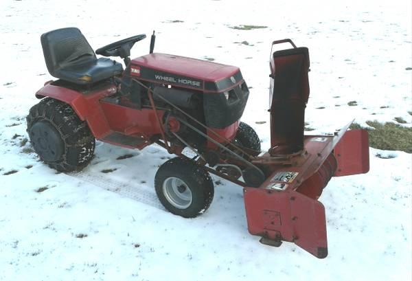 Photo Wheel Horse Toro 314-8 Speed Tractor wSnow Blower - $900 (Honesdale PA)