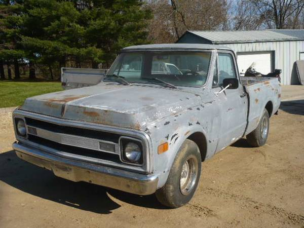 Photo 1969 Chevy 12 Ton Shortbox - $7000 (Anamosa)