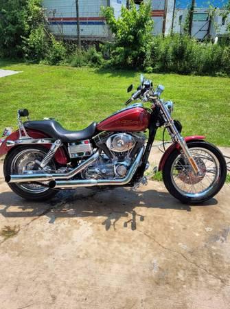 Photo 2006 Harley Davidson Dyna Superglide custom - $6,000 (Ottumwa)