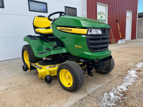 Photo 2007 John Deere x320 tractor 48 deck - $1999 (Shueyville)