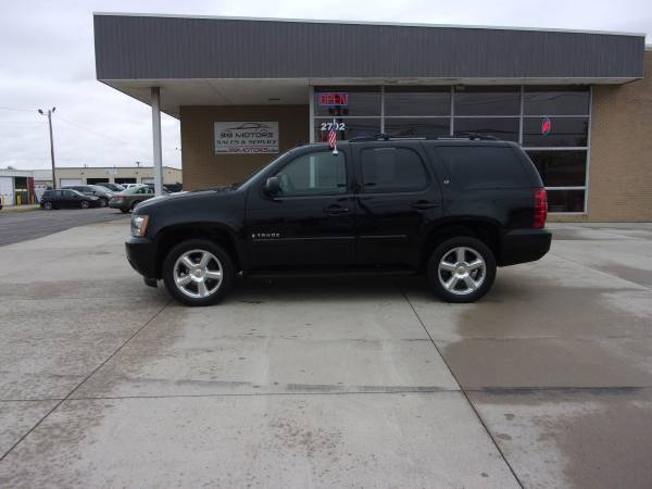 Photo 2008 CHEVY TAHOE LT APPLY TODAY DRIVE TODAY (Cedar Rapids)
