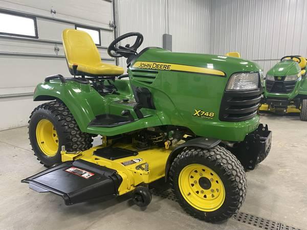 Photo 2008 John Deere X748 4X4 garden tractor 62quot deck - $8,300 (shueyville)