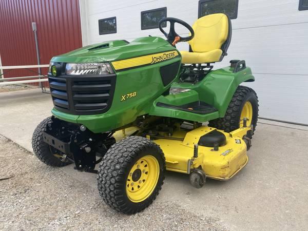 Photo 2014 John Deere X758 4X4 garden tractor 60quot deck 638 hours - $8,999 (shueyville)