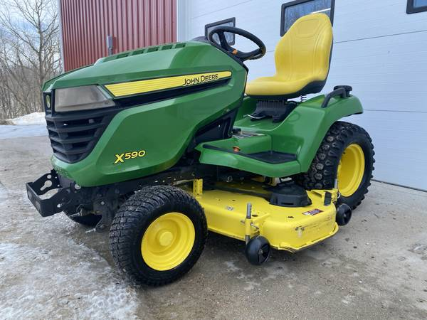 Photo 2017 John Deere X590 garden tractor 446 hours 54quot deck - $5,999 (shueyville)
