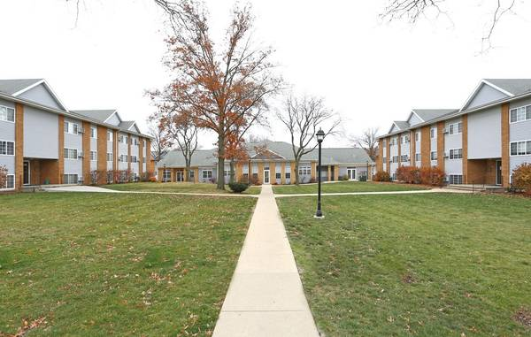 Photo AVAILABLEEvery Day39s A Vacay with FANTASTIC Move In Specials (The Pointe at Cedar Rapids)