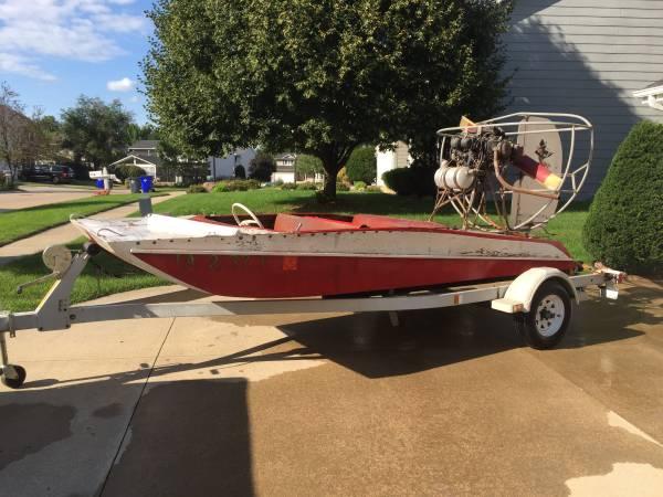 Photo Air Boat - $2,100 (NE Cedar Rapids)