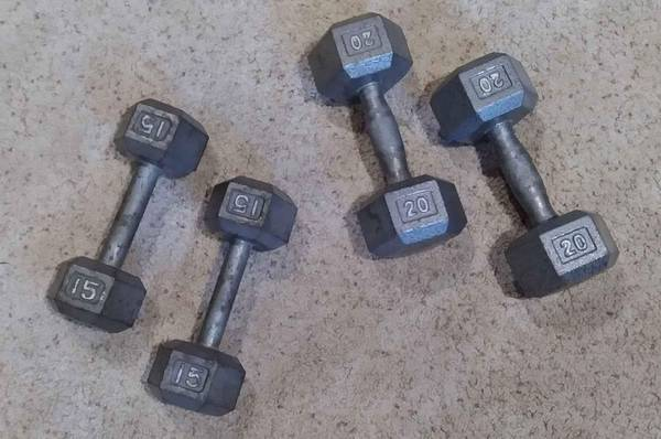 Photo Cast Iron sets of dumbbells 12 price of retail - $1 (Anamosa)
