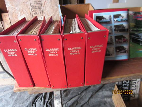 Photo Classic Chevy Magazines - $95 (Cedar Rapids)