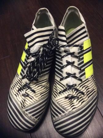 Photo Indoor Soccer Cleats - $15 (Cedar Rapids)