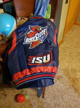 Photo Iowa State heavy leather coat - XXL - $30 (Central City)
