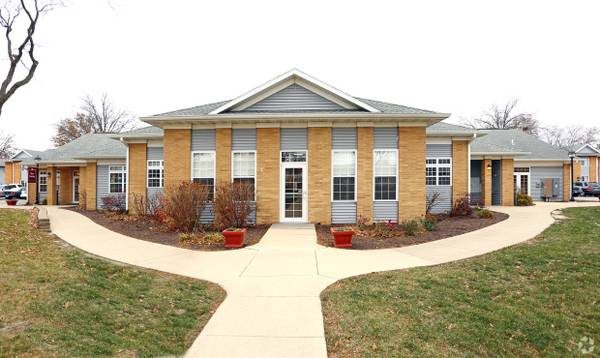Photo Let The Savings Rain $100 off monthly rentCENTRAL AIR2bd1bath (The Pointe at Cedar Rapids)