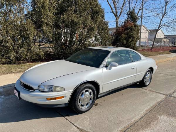 Photo ONLY 118,000 MILES 1997 BUICK RIVIERA 2 DR COUPE 3.8L SUPERCHARGED V6 - $4,900 (DJ AUTO SALES 3815 16TH AVE SW 319-390-1100)