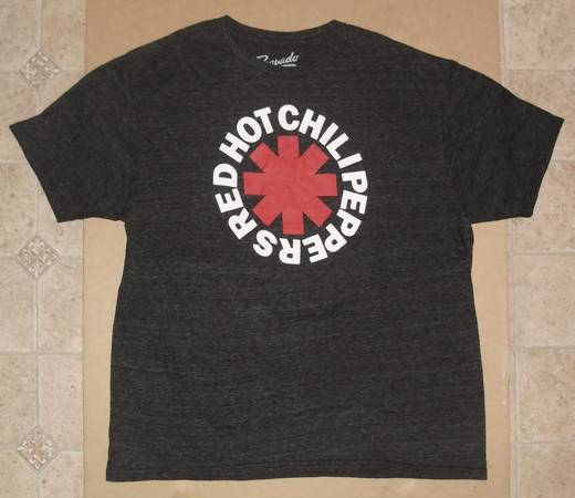 Photo Red Hot Chili Peppers asterisk logo T Shirt size XL - $25 (Cedar Rapids)