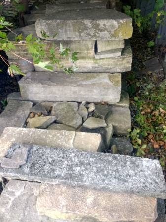 Photo Roughly 4 ton stonecity stone - $200 (Onslow)