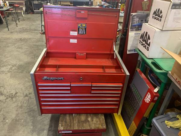 Photo SNAP ON 11 DRAWER TOP BOX - $575