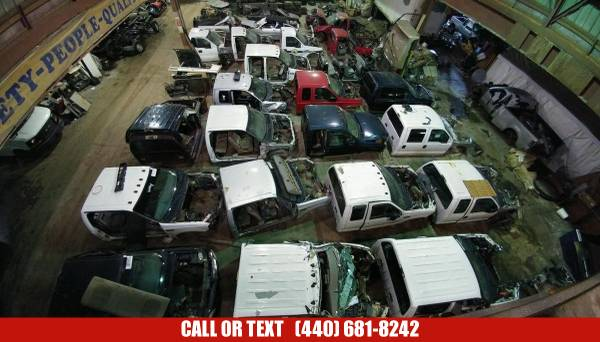 Photo USED FORD SUPER DUTY PARTS SPECIALISTS - TRANSMISSIONS  ENGINES (FORD Truck Parts and Engines)