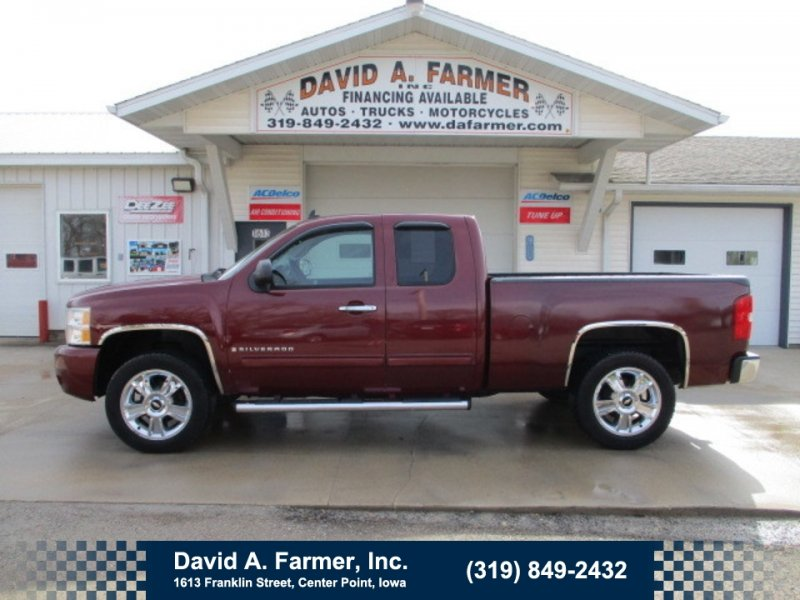 Photo Used 2009 Chevrolet Silverado 1500 4x4 Extended Cab for sale