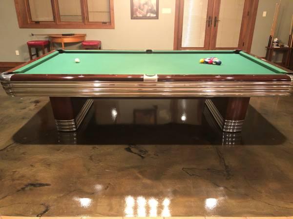 Photo Vintage Brunswick 1039 Centennial Pool Table - $12500 (Shellsburg)