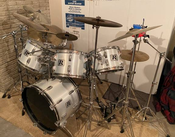 Photo Vintage Rogers Drum Set with Zildjian  Sabian Cymbals - $2000 (NE Cedar Rapids)