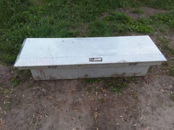 Photo diamond plate toolboxes - $75 (coggon)