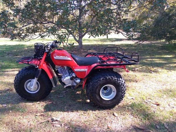 Photo 1985 Honda big red - $5,000 (Denham springs)