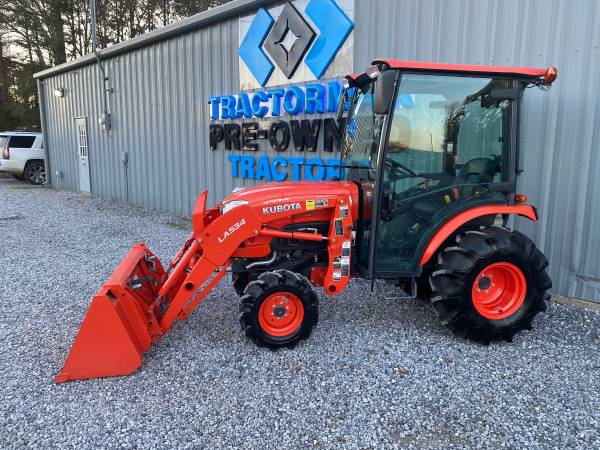 Photo 2020 Kubota B2650 Cab Tractor with Air - $24,500 (Woodville)