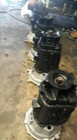 Photo Dodge Ford diesel standard transmission - $1,200