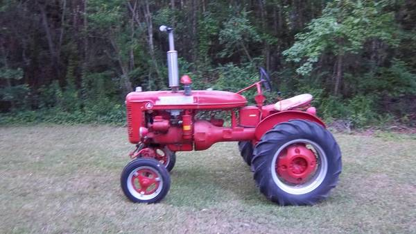 Photo Farmall A tractor - $2,800 (Forest Hill)