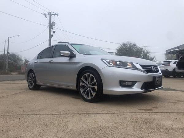 Photo SUPER CLEAN 2015 HONDA ACCORD LIKE NEW - $15,919 ($248.98 A MONTH)