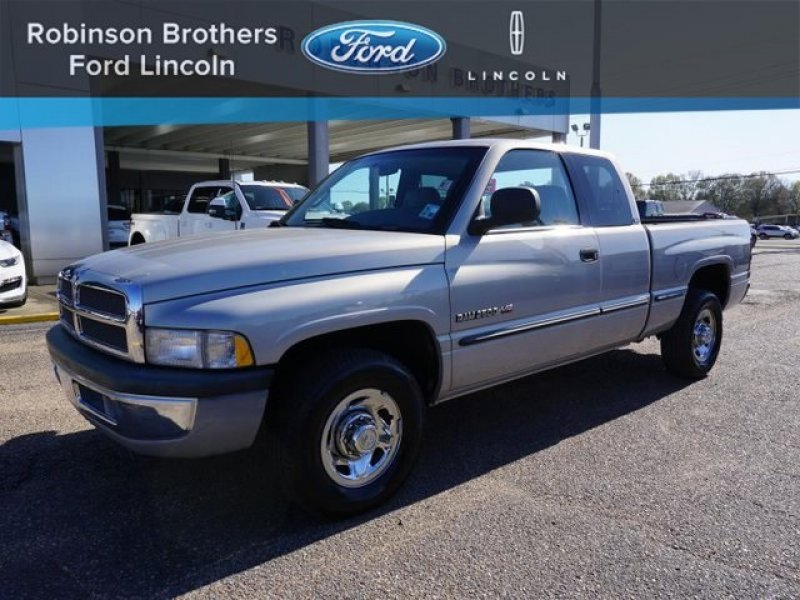 Photo Used 1998 Dodge Ram 2500 Truck 2WD Club Cab for sale