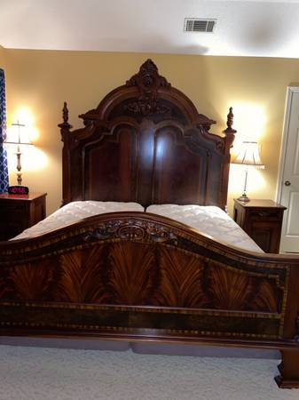 Photo Victorian King bedroom furniture 5 piece - $4,750 (South Bossier)