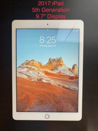 Photo iPad (2017- 5th Generation) - $150 (Lafayette, La)