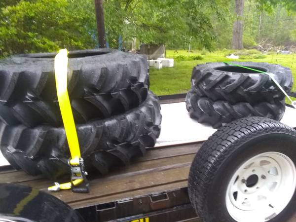 Photo new 28 inch tractor tires - $1,000 (Sieper)