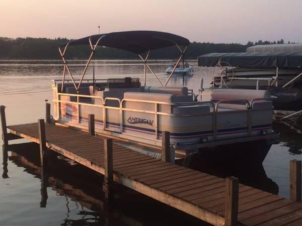 Photo 1998 American Raven 18 foot Pontoon Boat - $7,500 (Evart, MI)